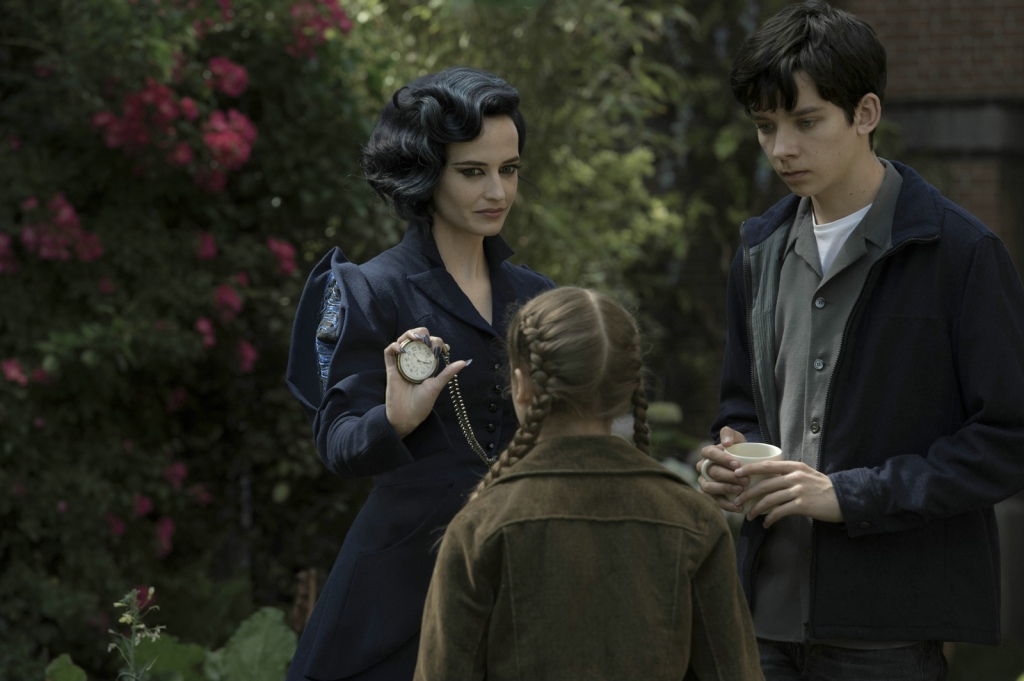 miss-peregrine-2-cliff-and-co