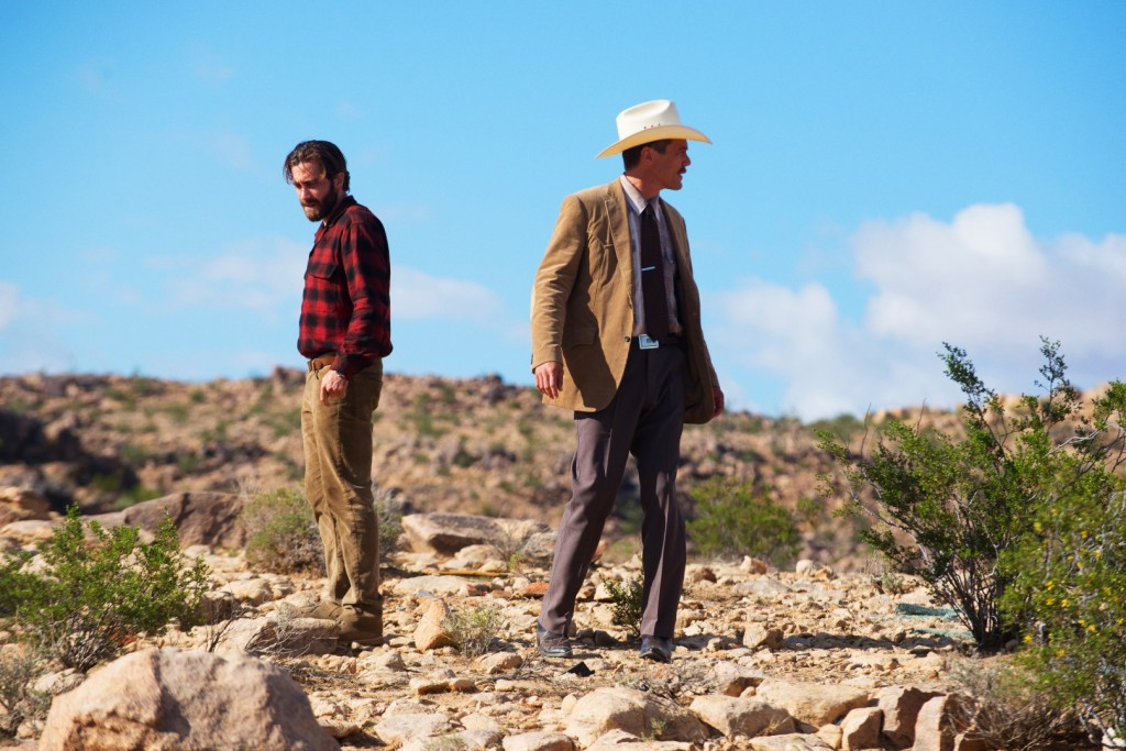 4100_D002_00209_R ( l-r.) Academy Award nominees Jake Gyllenhaal and Michael Shannon star as Tony Hastings and Bobby Andes in writer/director Tom Ford's romantic thriller NOCTURNAL ANIMALS, a Focus Features release. Credit: Merrick Morton/Focus Features
