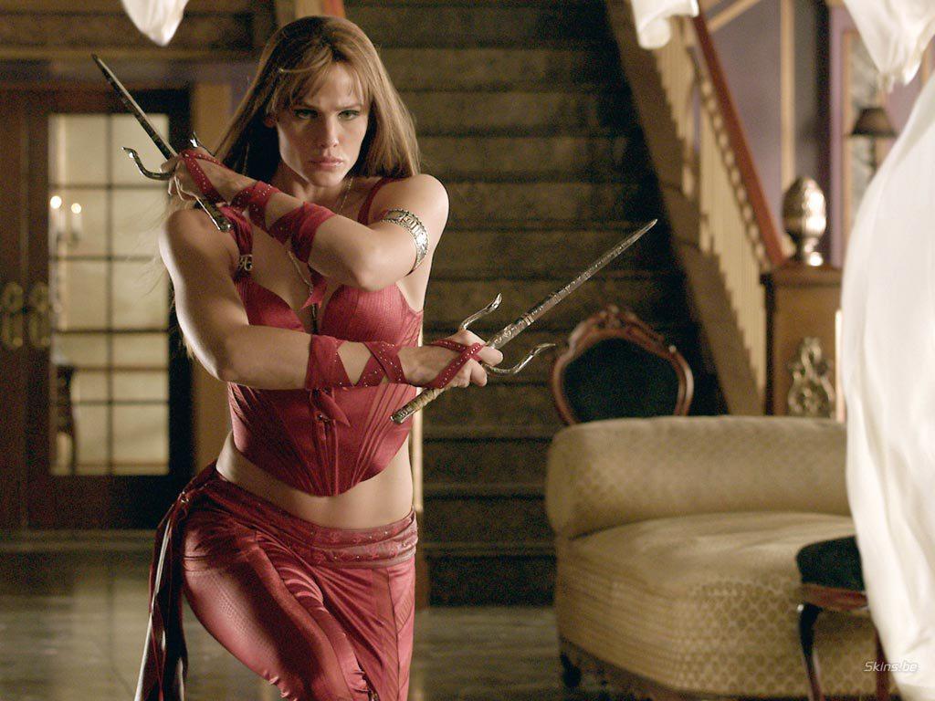 Jennifer-Garner-Elektra-cliff-and-co.jpg