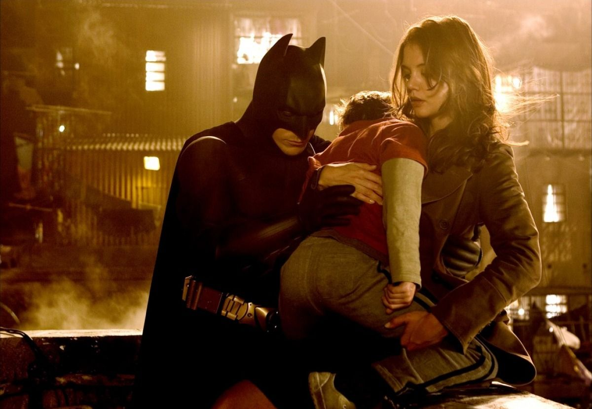 BatmanBegins-batman-bale-holmes-cliff-and-co